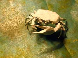 Origami Male Fiddler Crab thumbnail